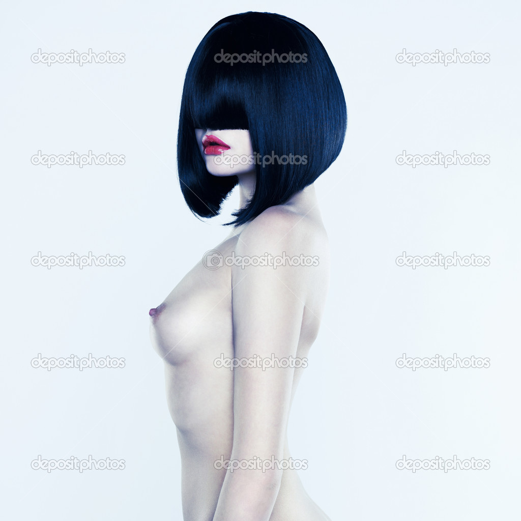 Девушки голые с прической каре
