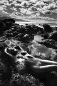Nude woman on beach. — Stock Photo